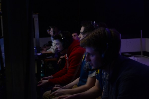 Western Wolves on mainstage vs. dzs